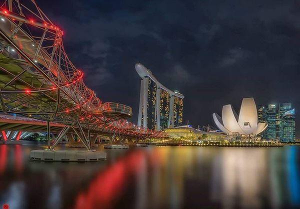 https: img-o.okeinfo.net content 2017 04 16 406 1668857 main-ke-singapura-coba-ke-jembatan-unik-berbentuk-dna-rTq2oD18jV.JPG