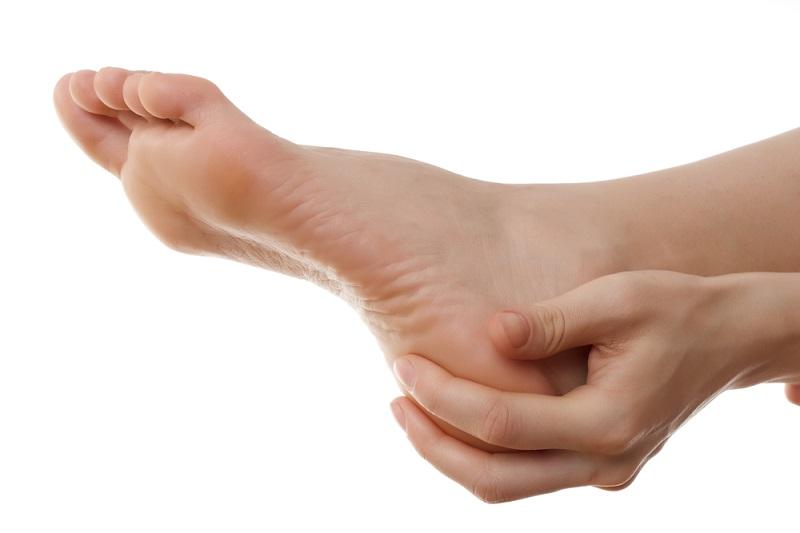 https img o.okeinfo.net content 2017 04 20 481 1672379 ngeri berikut bahaya pengumpulan darah di kaki akibat duduk terlalu lama BKpLilxFmP.jpg