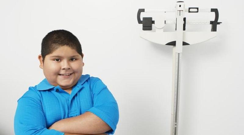 https: img-o.okeinfo.net content 2017 05 07 481 1685216 benarkah-obesitas-diwariskan-dari-orangtua-kepada-anak-ChoV3lvhjt.jpg