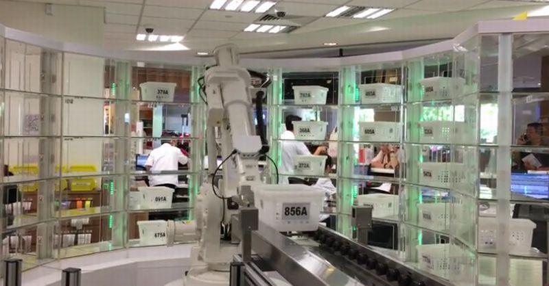 https: img-o.okeinfo.net content 2017 05 10 56 1688114 rumah-sakit-di-negara-ini-mulai-gunakan-robot-DYKuu9aBpM.jpg