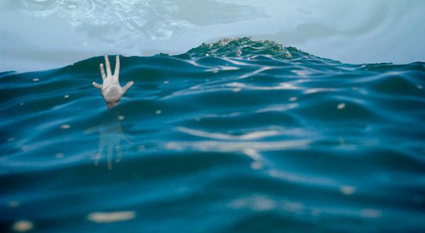 https: img-o.okeinfo.net content 2017 05 14 525 1690674 2-wisatawan-tewas-digulung-ombak-di-pantai-garut-1-orang-selamat-UVHIIJVIQ7.jpg
