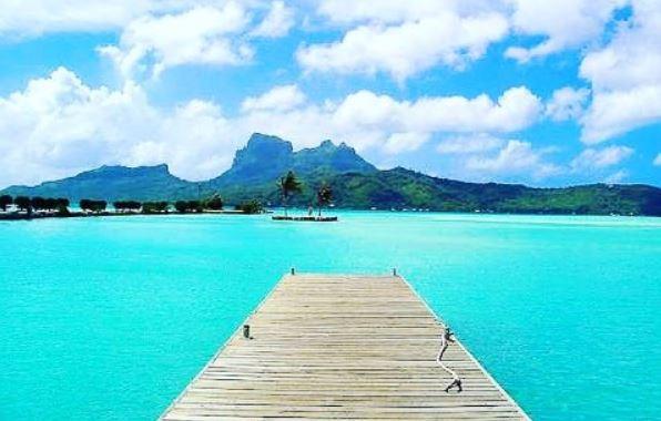 https: img-o.okeinfo.net content 2017 05 15 406 1691606 wah-indahnya-kemilau-wisata-bahari-di-tahiti-qQKDC9vUt9.JPG