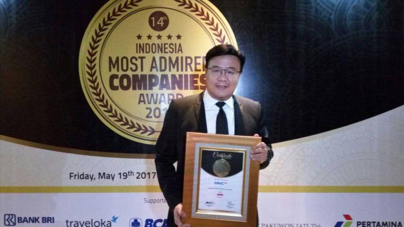 https: img-o.okeinfo.net content 2017 05 19 320 1695661 mantap-mnctv-terima-penghargaan-indonesia-most-admired-companies-imaco-award-2017-9Erb8SxkGN.jpg