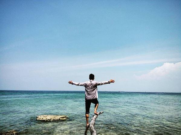 https img o.okeinfo.net content 2017 05 19 406 1695429 pulau damar kecil tempat terbaik liburan akhir pekan 537Llmghw3.JPG