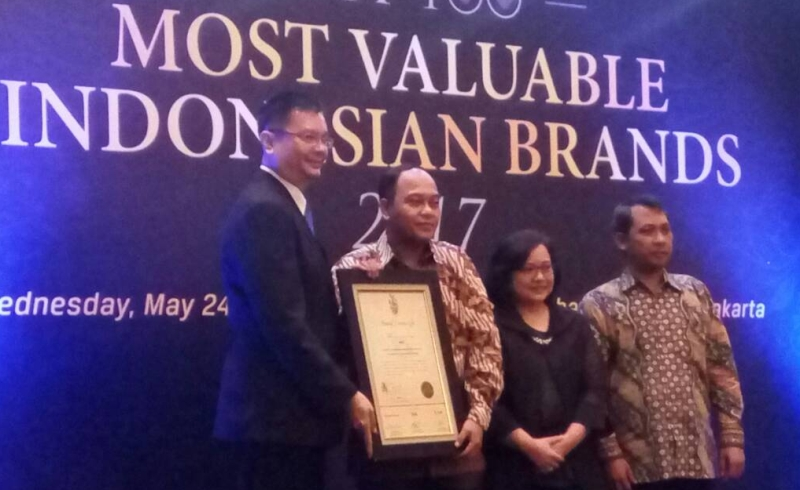 https: img-o.okeinfo.net content 2017 05 24 278 1699304 hebat-4-perusahaan-mnc-raih-top-100-most-valuable-indonesian-brands-awards-2017-dcQryffRmz.jpg
