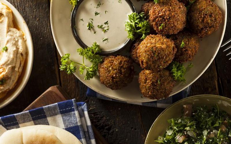 https: img-o.okeinfo.net content 2017 05 26 298 1700347 falafel-bola-bola-daging-khas-timur-tengah-untuk-buka-puasa-m0d8uL3HEZ.jpg