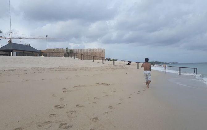 https: img-o.okeinfo.net content 2017 06 02 340 1705853 pemkot-sebut-sampah-menumpuk-di-pantai-padang-akibat-perilaku-warga-X9uyeyExvd.jpeg