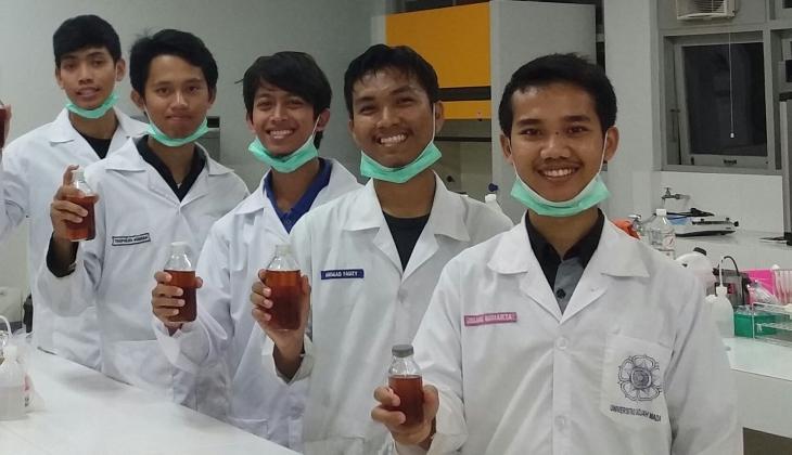 https: img-o.okeinfo.net content 2017 06 02 65 1705957 mahasiswa-sulap-minyak-jelantah-jadi-biodiesel-pXAmn3wTio.jpg