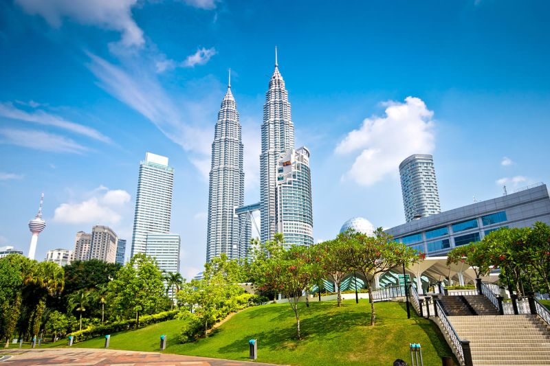 https: img-o.okeinfo.net content 2017 06 07 406 1710274 fakta-hubungan-pariwisata-indonesia-dengan-malaysia-TDubOhn69h.jpg