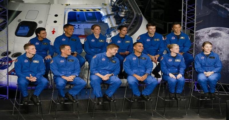 https: img-o.okeinfo.net content 2017 06 08 56 1711404 dari-18-300-pelamar-12-astronot-ini-lolos-bidikan-nasa-RHXqMK2zpi.jpg