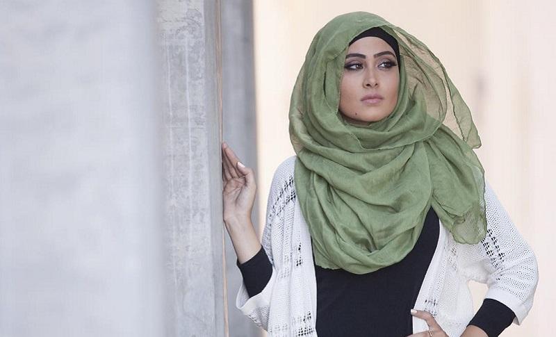 https: img-o.okeinfo.net content 2017 06 09 194 1711800 menunjang-penampilan-ini-5-barang-penting-yang-harus-dimiliki-hijabers-DAveEk5utr.jpg