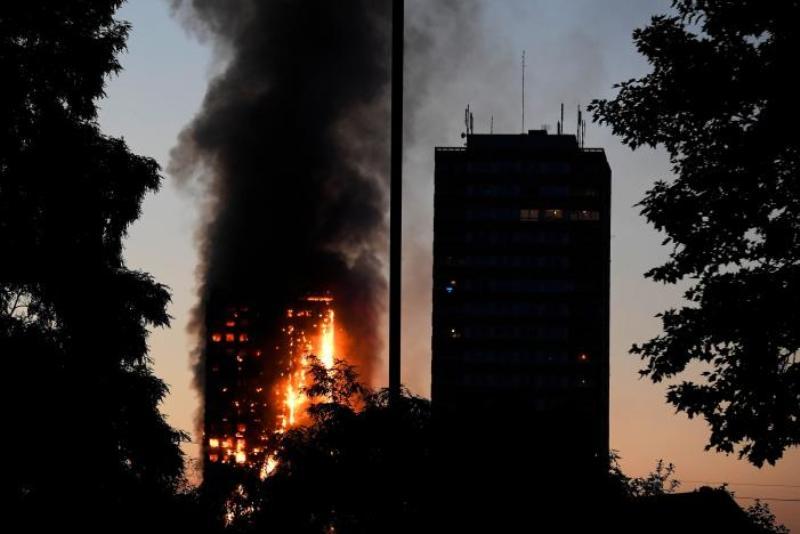 https: img-o.okeinfo.net content 2017 06 14 18 1715830 kebakaran-apartemen-bertingkat-di-london-30-orang-luka-luka-hQscaoaVN6.jpg