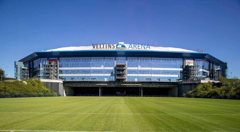 https: img-o.okeinfo.net content 2017 06 19 48 1720108 veltins-arena-stadion-modern-nan-multifungsi-milik-schalke-04-gmn5Hkn3gq.jpg