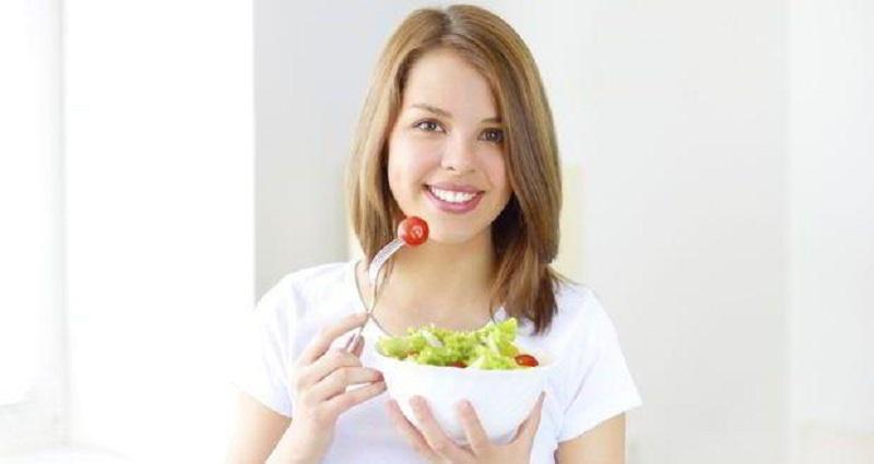 https: img-o.okeinfo.net content 2017 06 24 481 1724120 terapkan-gaya-hidup-sehat-generasi-milenial-harus-makan-sayuran-mentah-ujOnZRPRpL.jpg