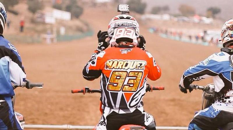 https: img-o.okeinfo.net content 2017 07 12 38 1734631 sering-latihan-bareng-juara-dunia-motocross-marquez-itu-buat-saya-termotivasi-r1pRSx1suY.jpg