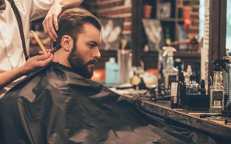 https: img-o.okeinfo.net content 2017 07 14 194 1736289 pria-modern-peduli-penampilan-alasan-barbershop-kian-menjamur-UmhM4QObtn.jpg