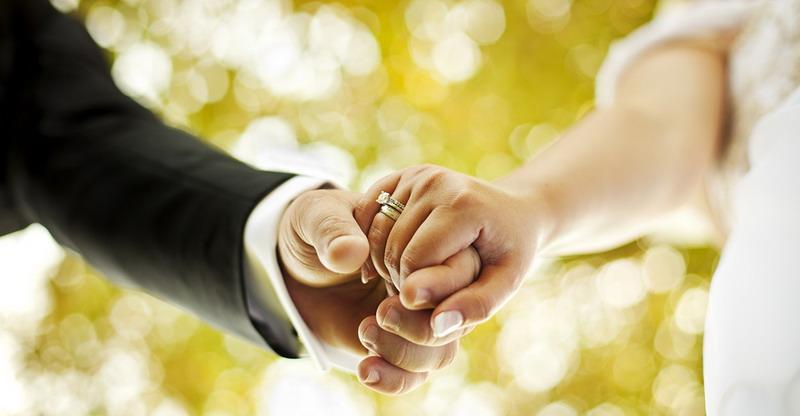 https: img-o.okeinfo.net content 2017 08 04 196 1749837 banyak-suami-istri-bercerai-pasangan-muda-wajib-pikirkan-syarat-penting-ini-sebelum-menikah-x91UbISmi5.jpg