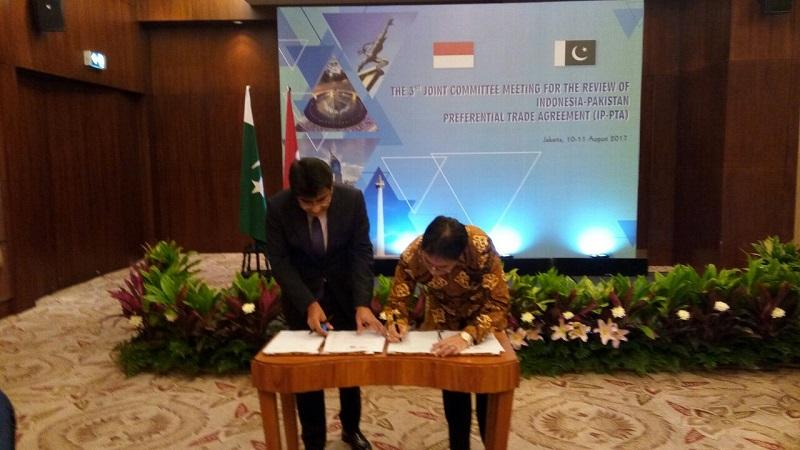 https: img-o.okeinfo.net content 2017 08 11 320 1753962 gelar-pertemuan-pakistan-cari-solusi-tingkatkan-ekspor-ke-indonesia-qbOWvErUSM.jpg