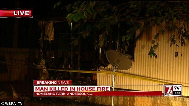 https: img-o.okeinfo.net content 2017 08 12 18 1754572 astaga-nekat-masuk-ke-rumah-yang-terbakar-demi-ambil-ponsel-pria-ini-tewas-mengenaskan-St4pM67oDw.jpg