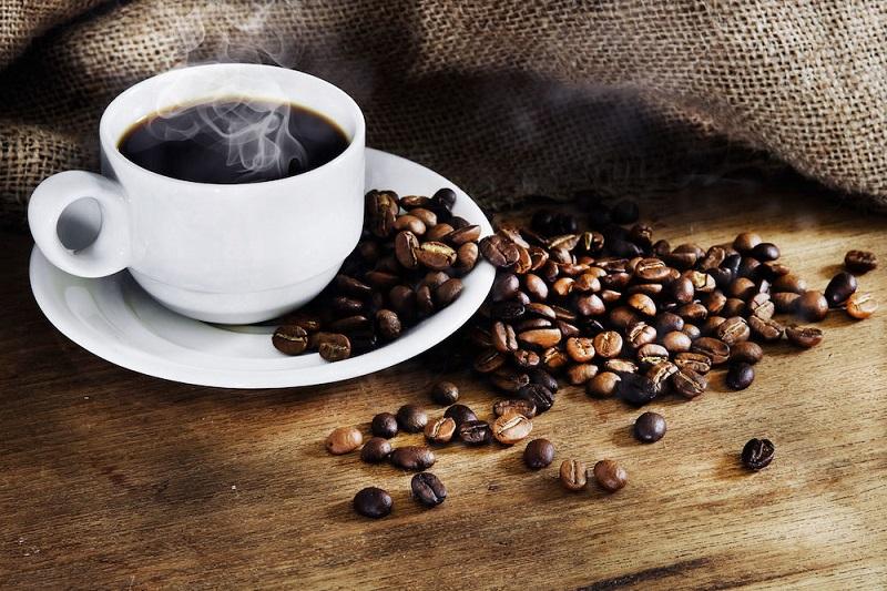 https: img-o.okeinfo.net content 2017 08 26 481 1763590 okezone-week-end-di-balik-manfaatnya-kopi-ternyata-menyimpan-risiko-kesehatan-yang-berbahaya-apa-saja-kgaMnHJW6g.jpg