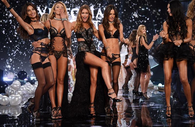 https: img-o.okeinfo.net content 2017 08 30 194 1766155 15-model-seksi-bakal-debut-perdana-di-victoria-s-secret-fashion-show-2017-Q3of3NUXoj.jpg