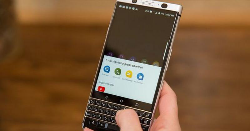 https: img-o.okeinfo.net content 2017 08 30 57 1766165 saingi-iphone-ponsel-terbaru-ini-dilengkapi-fitur-tahan-air-eLctIoNPHz.jpg