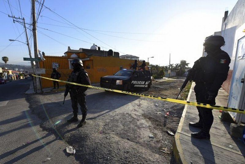 https: img-o.okeinfo.net content 2017 09 14 18 1775875 ngeri-perang-geng-penjahat-di-meksiko-sedikitnya-13-orang-tewas-IyI3sIEyZ8.jpg