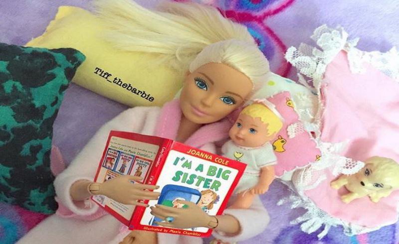 https img o.okeinfo.net content 2017 09 14 196 1775590 barbie si gadis cantik kini bertransformasi menjadi millenial mom s nih foto fotonya DADTerA7ts.JPG