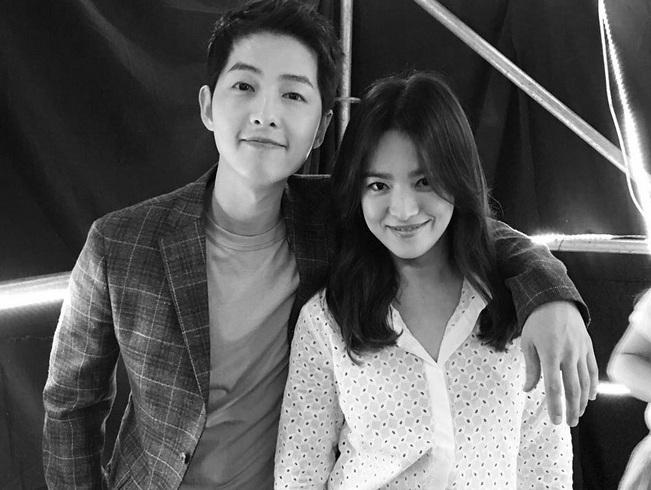 https img o.okeinfo.net content 2017 09 14 33 1775794 foto bikin baper ini potret romantis song joong ki hye kyo sebelum menikah 31 oktober 5kSJU7uAu9.jpg