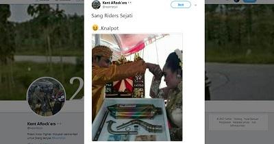 https: img-o.okeinfo.net content 2017 09 15 207 1776379 gokil-pria-ini-kasih-mahar-pernikahan-knalpot-foto-viralnya-bikin-netizen-geleng-kepala-FzgfupGZlM.jpg