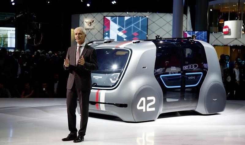 https: img-o.okeinfo.net content 2017 09 17 15 1777626 10-mobil-futuristik-di-frankfurt-ada-yang-bisa-nyetir-sendiri-2-JYXLttR1bY.jpg