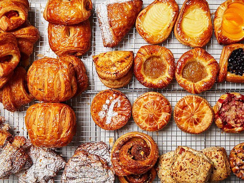 https: img-o.okeinfo.net content 2017 09 25 298 1782811 potensi-pastry-bakery-kian-diminati-chef-ucu-sarankan-adonan-kue-dimodifikasi-JWdSoVApiy.jpg