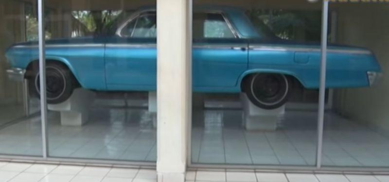 https: img-o.okeinfo.net content 2017 10 01 15 1786542 wow-ini-dia-mobil-chevrolet-impala-peninggalan-jenderal-ahmad-yani-IPlYhJAx2i.jpg
