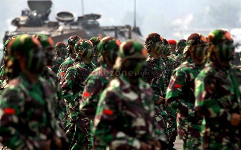 https: img-o.okeinfo.net content 2017 10 04 194 1788811 mengapa-seragam-tentara-indonesia-berwarna-hijau-dan-bercorak-loreng-ini-alasannya-VGssgIU3Jb.jpg