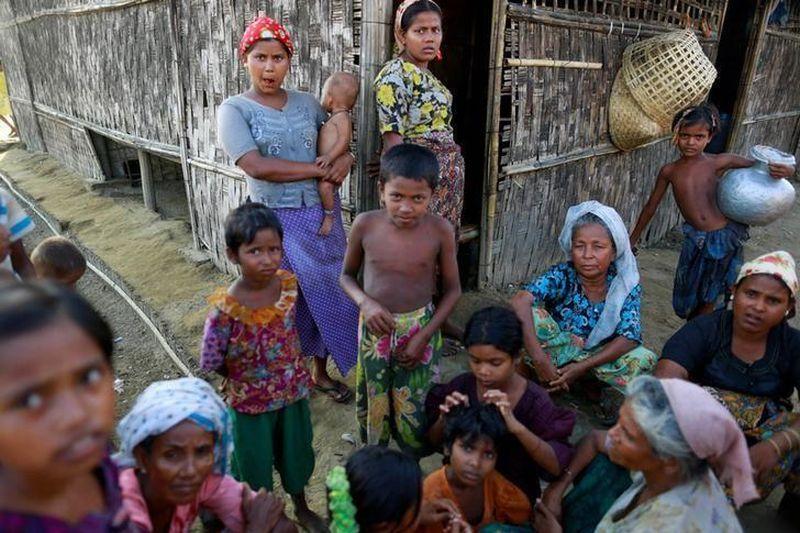 https: img-o.okeinfo.net content 2017 10 06 18 1790464 astaga-100-000-warga-rohingya-berkumpul-di-perbatasan-myanmar-bangladesh-untuk-bergabung-dengan-pengungsi-lainnya-JmirmrgncW.jpg
