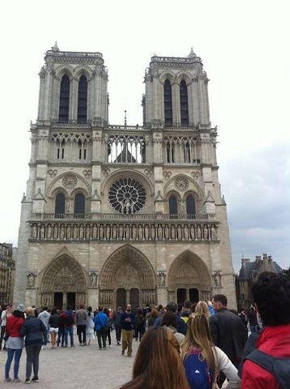 https: img-o.okeinfo.net content 2017 10 09 406 1792100 backpacker-diary-notre-dame-de-paris-katedral-gothic-tercantik-di-dunia-ofIwsaEGGC.jpg