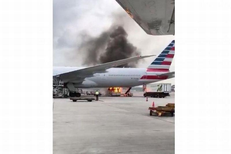 https: img-o.okeinfo.net content 2017 10 10 18 1792197 astaga-kebakaran-terjadi-di-landasan-pacu-bandara-hong-kong-1-orang-terluka-x1x8d4YoAs.jpg