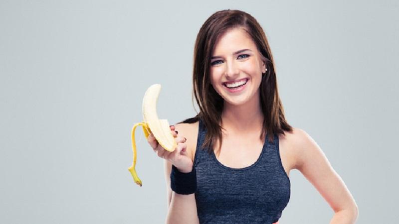 https: img-o.okeinfo.net content 2017 10 10 481 1792634 tak-cuma-mengenyangkan-makan-2-pisang-sehari-bisa-cegah-penyakit-jantung-dan-stroke-LYMDaceyaA.jpg