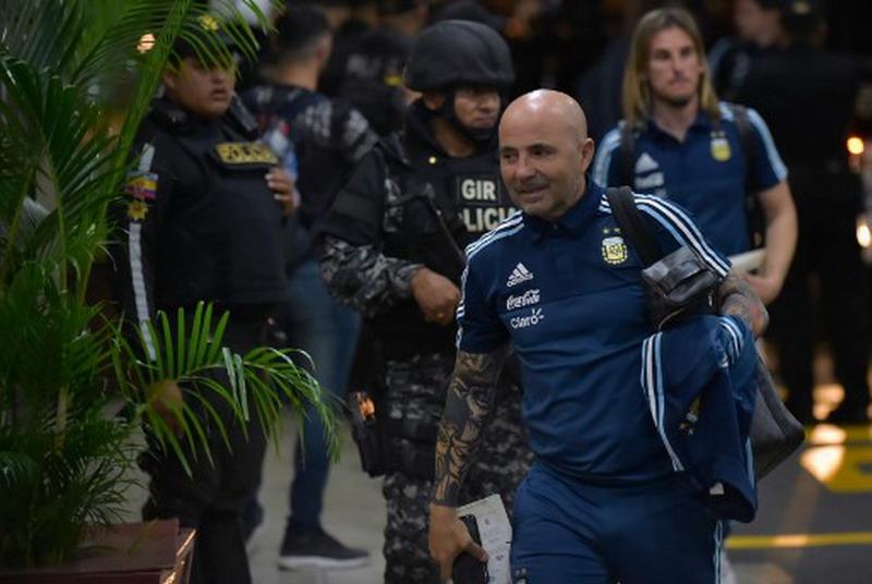 https: img-o.okeinfo.net content 2017 10 12 51 1794144 bawa-argentina-lolos-ke-piala-dunia-2018-kempes-jorge-sampaoli-penyelamat-kami-OEW1f3dy3l.jpg