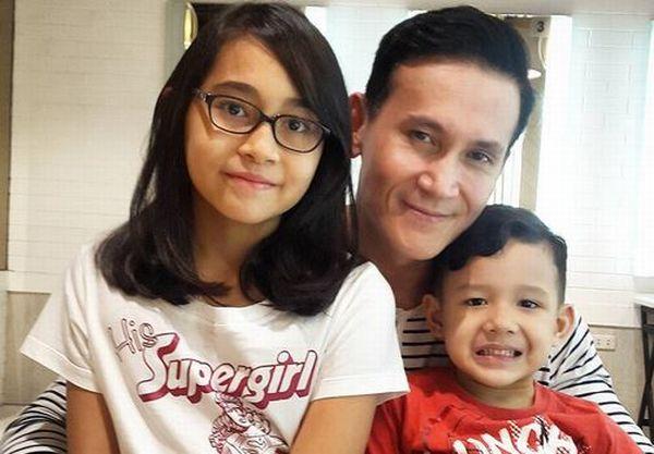 https: img-o.okeinfo.net content 2017 10 13 33 1794434 berkat-anak-hubungan-marcellino-lefrand-dan-dewi-rezer-masih-harmonis-1NWfB0EfpD.JPG