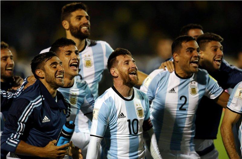https: img-o.okeinfo.net content 2017 10 14 51 1795221 bawa-timnas-argentina-ke-piala-dunia-2018-simeone-messi-membuktikan-ia-yang-terbaik-di-dunia-QJJOHvEs8j.JPG