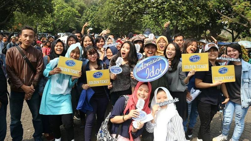 https: img-o.okeinfo.net content 2017 10 24 598 1801436 keren-raih-antusiasme-tinggi-dari-peserta-audisi-street-audition-grab-indonesian-idol-2017-kembali-hadir-di-7-kota-uZ4wJaxNTa.jpg
