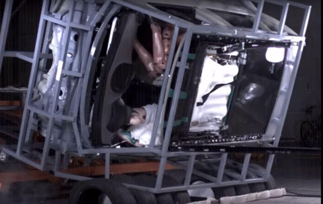 https: img-o.okeinfo.net content 2017 10 27 15 1803690 keren-hyundai-ciptakan-airbag-panoramic-sunroof-pertama-di-dunia-v8DxXrOfHy.jpg