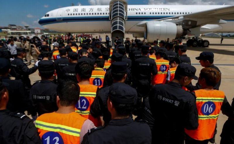 https: img-o.okeinfo.net content 2017 10 28 18 1804168 duh-pemerintah-kamboja-deportasi-61-warga-china-yang-jadi-tersangka-penipuan-Bzb5tM9t44.jpg
