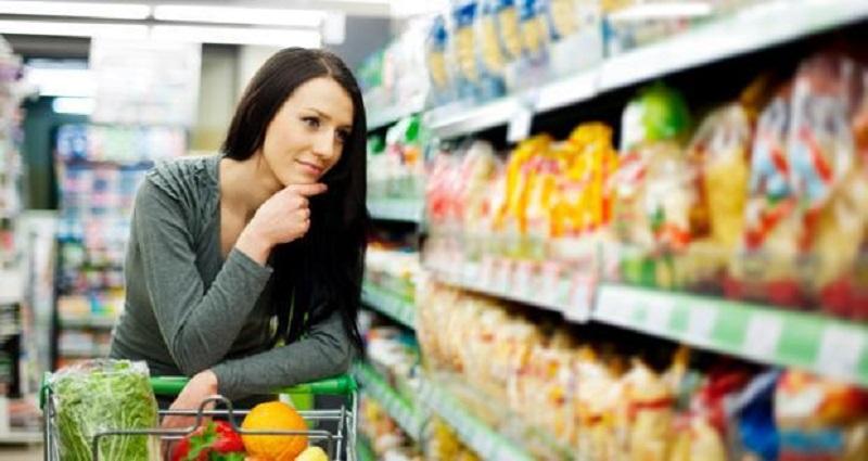 https: img-o.okeinfo.net content 2017 11 02 481 1807341 ingin-konsumsi-makanan-kemasan-perhatikan-3-hal-ini-agar-tubuh-tetap-sehat-OYYtTYw2et.jpg