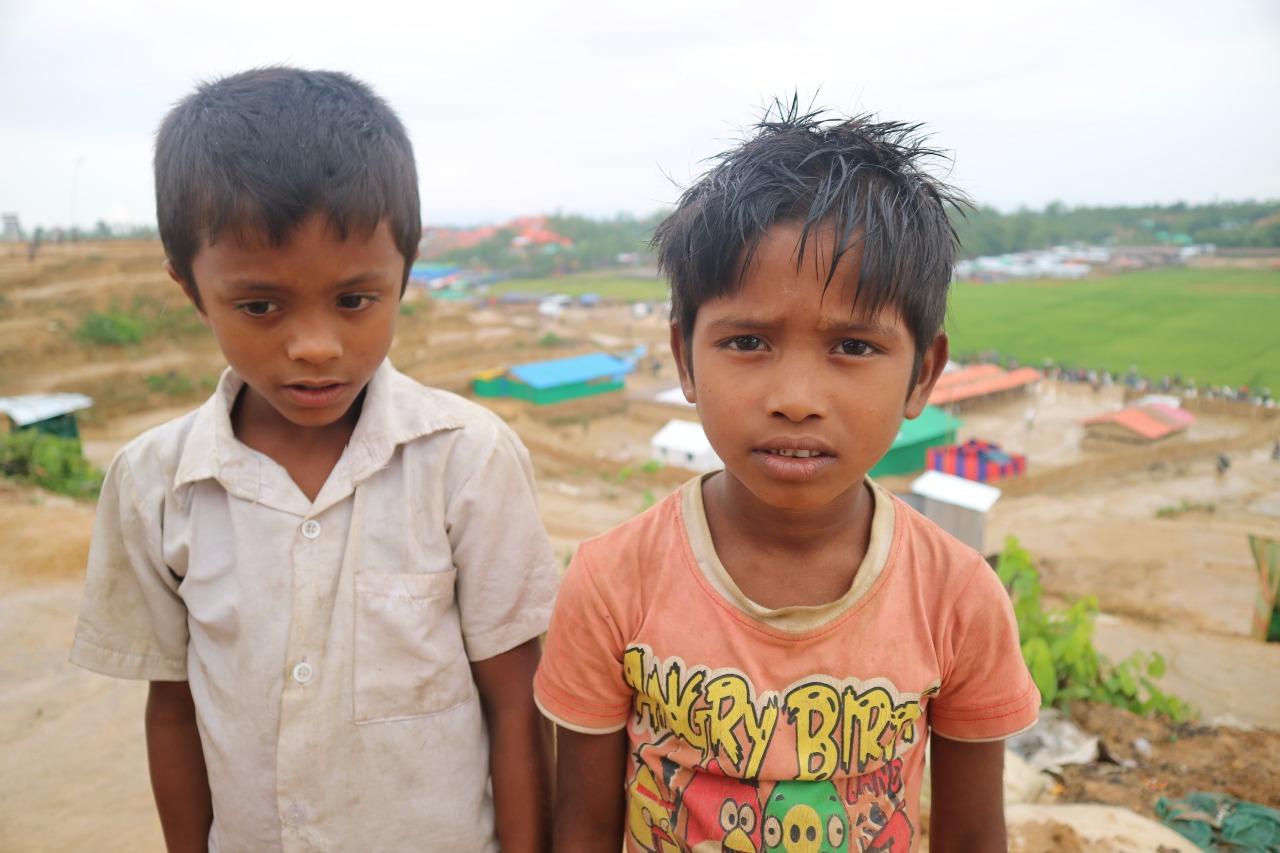 https: img-o.okeinfo.net content 2017 11 03 18 1808066 demi-selamatkan-diri-dari-kekejaman-tentara-myanmar-anak-anak-etnis-rohingya-rela-berjalan-ratusan-kilometer-ucl2BgHILO.jpg