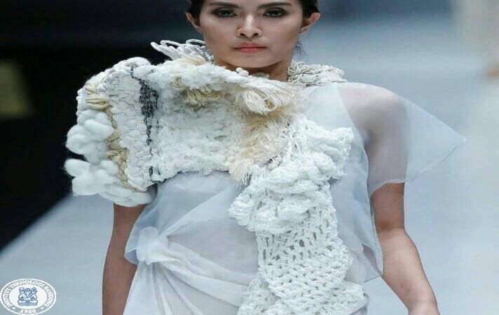 https: img-o.okeinfo.net content 2017 11 03 65 1808009 keren-dosen-itb-pamerkan-koleksi-baju-bodo-di-jakarta-fashion-week-2017-qr8M20ZAIq.jpg