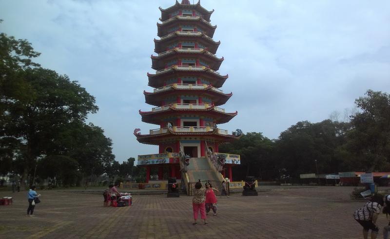 https: img-o.okeinfo.net content 2017 11 08 406 1810810 uncover-indonesia-indahnya-pulau-kemaro-dengan-pagoda-9-lantai-dan-mitos-pohon-cinta-8CRYh5hTQS.jpg