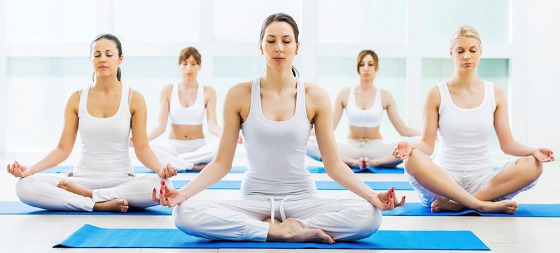 https: img-o.okeinfo.net content 2017 11 11 194 1812435 selain-bikin-awet-muda-yoga-mampu-pancarkan-kecantikan-wanita-mjJnlphVza.jpg