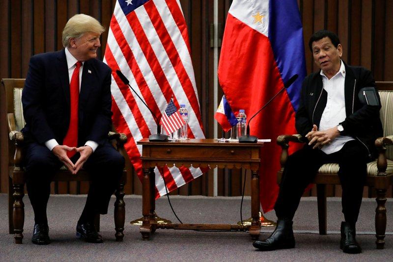 https: img-o.okeinfo.net content 2017 11 14 18 1813562 diprediksi-tegang-suasana-pertemuan-trump-dengan-presiden-filipina-justru-mencair-X9LnpSaazN.JPG